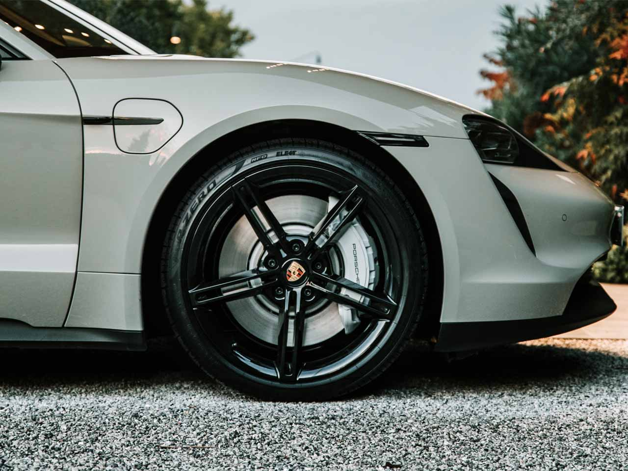 P Zero Elect - Porsche Taycan